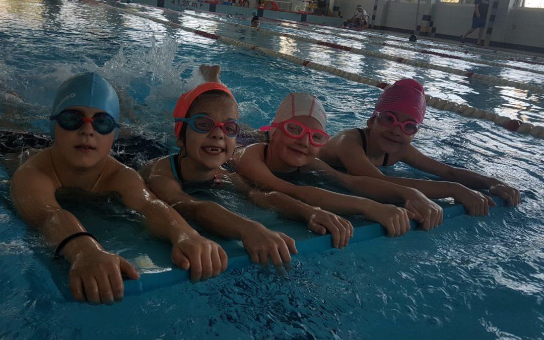 Wakacyjne, intensywne kursy pływania